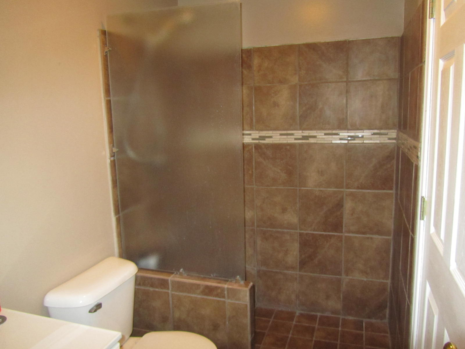 tile shower | The Unhinged Home